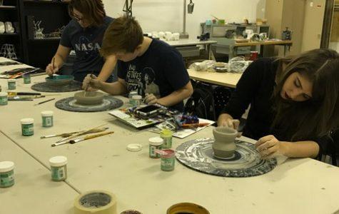 N.A.H.S. Students Visit H.A.C.C. to Learn More About Art Careers