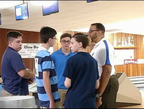 Bowling Team Competes at Eastern Independent District Qualifier