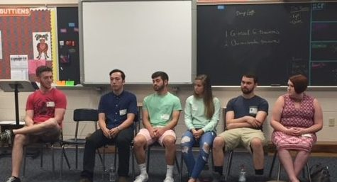 Alumni Visit Senior English Class to Give College Advice
