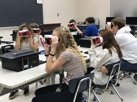 VR Goggles Give Students a Unique Opportunity